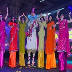 Bollywoodlucie2.jpg