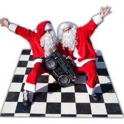 Breakdance-Bad-Santas-1.jpg