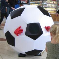 Football_girl_small.jpg