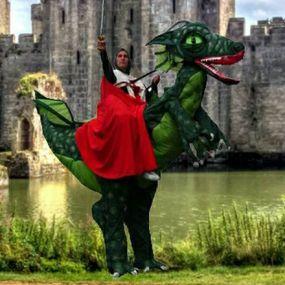 Knight-on-Dragon-Castle.jpg