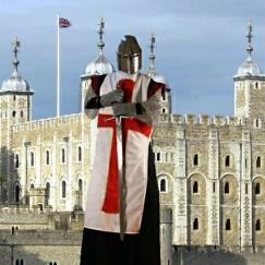 Medieval-Knight-Stilt-Walker-Castle.jpg