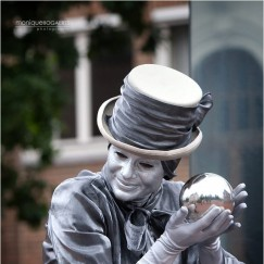 Silver-Lady-living-statue.jpg