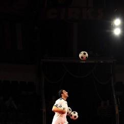 football-juggler-2.jpg