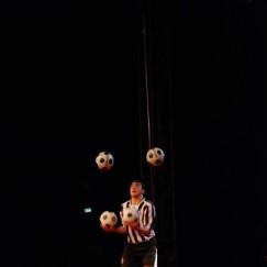 football-juggler-5.JPG