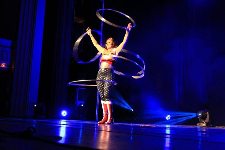 Wonderwoman Hula Hoop Show Flaming Fun Event