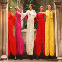 Arcadians-in-colour-stilt-performance-2