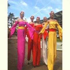 Arcadians-in-colour-stilt-performance-4