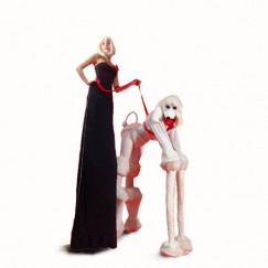 Fifi-le-Poodle-and-Mlle-Belle-stilt-performance