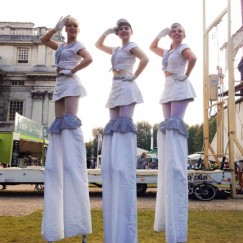Hello-Sailorettes-stilt-performance-4