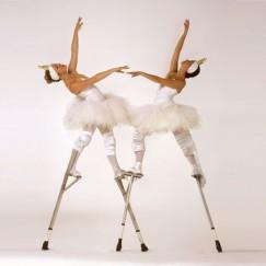 The-London-Cirque-Ballet-stilt-performance