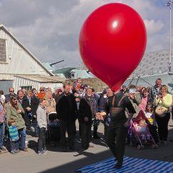 DOD Giant Balloon show street