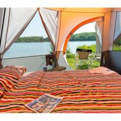 octagon-8-tent_with_double_bed_glamping