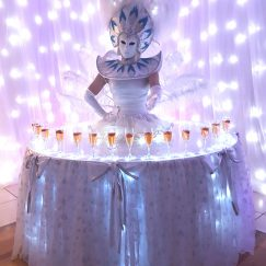 Masked_show_girl_living_table (4)