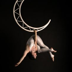 Aerial moon act